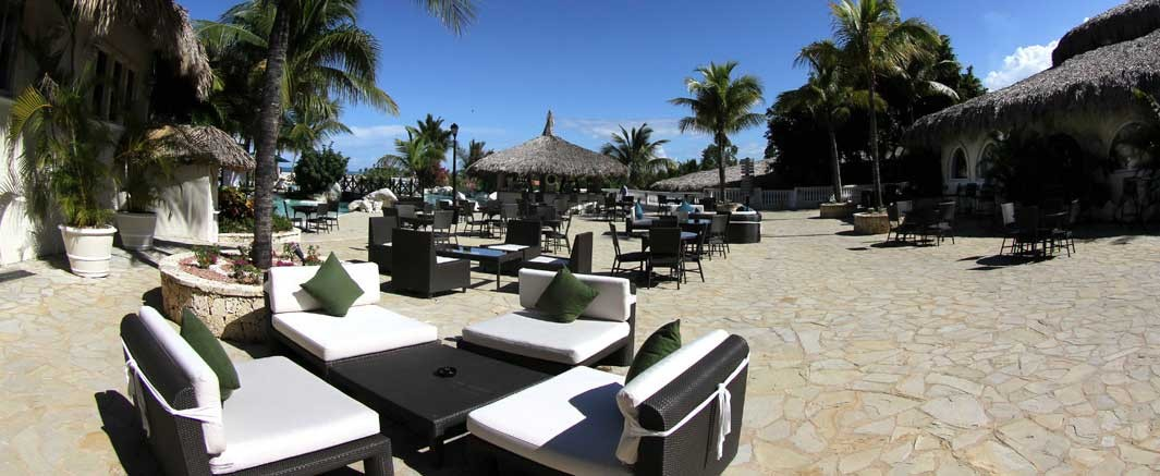 Cofresi Palm Pool Deck / Bar